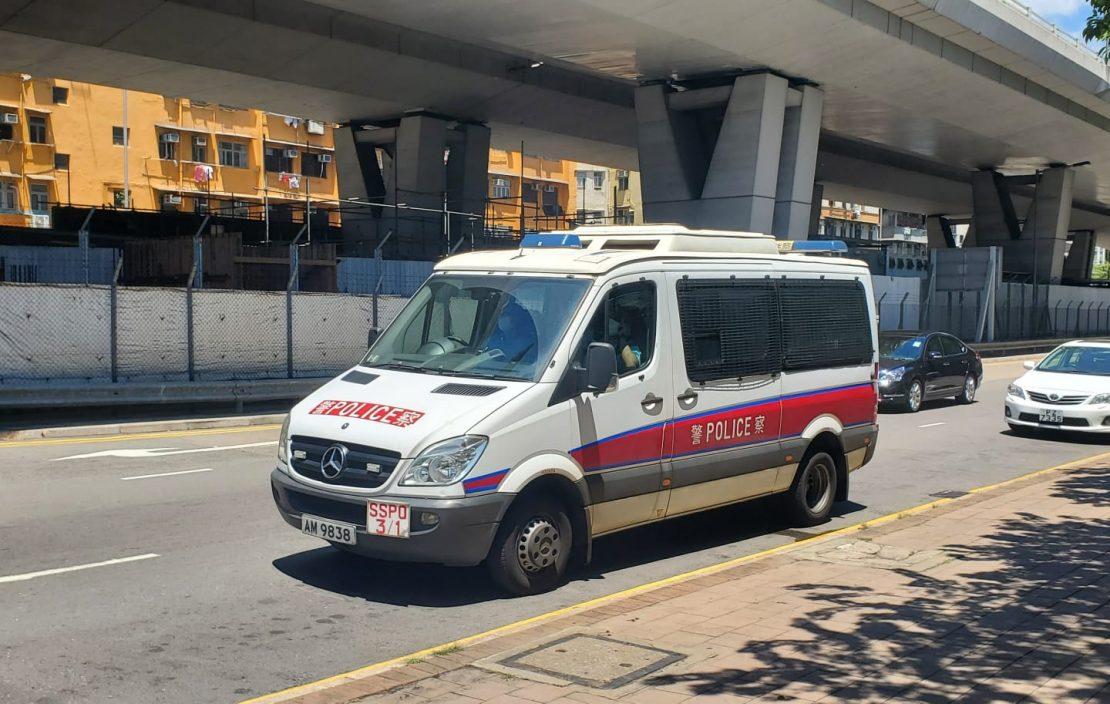 深水埗公园3贼指甲钳施袭 抢走中年汉近4万元财物