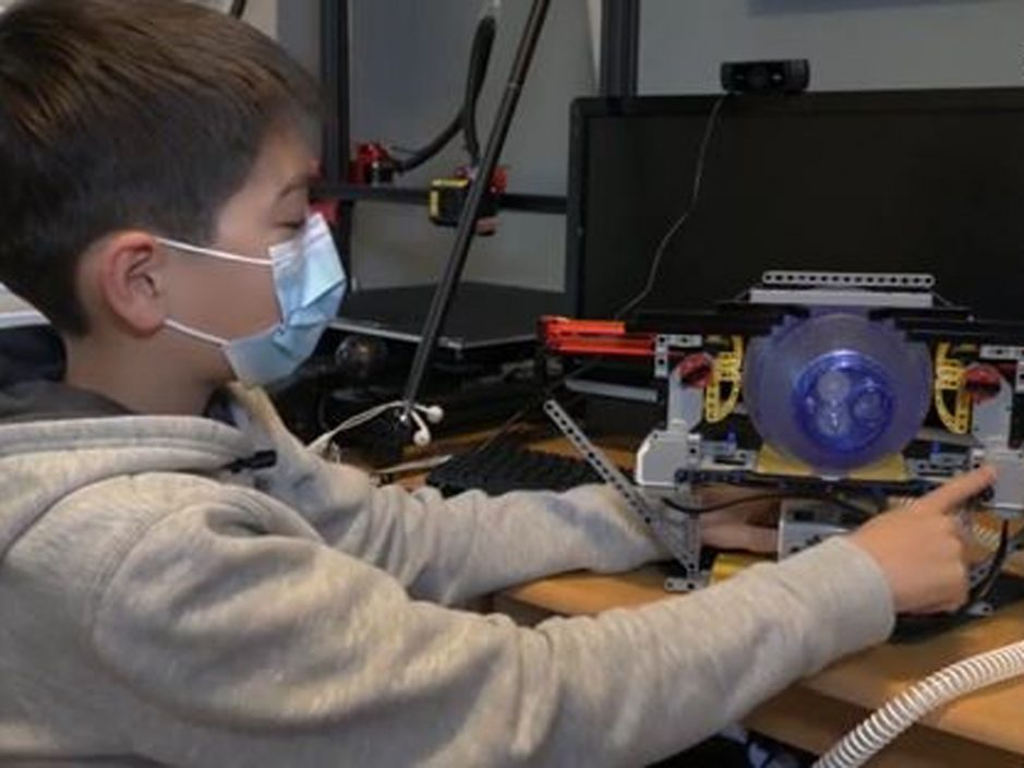 12岁男童用Lego研发呼吸机 纾缓全球短缺问题