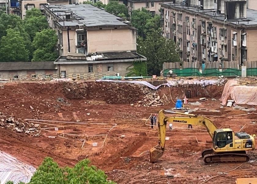 湖南长沙中学操场挖出30座古墓 建于战国至宋代皆有