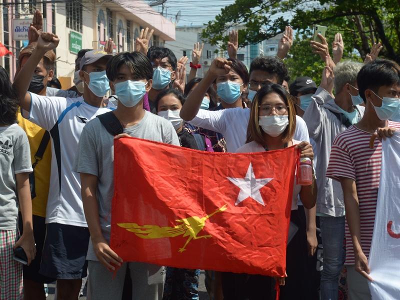 缅甸开学在即 逾12.5万反政变教师遭停职