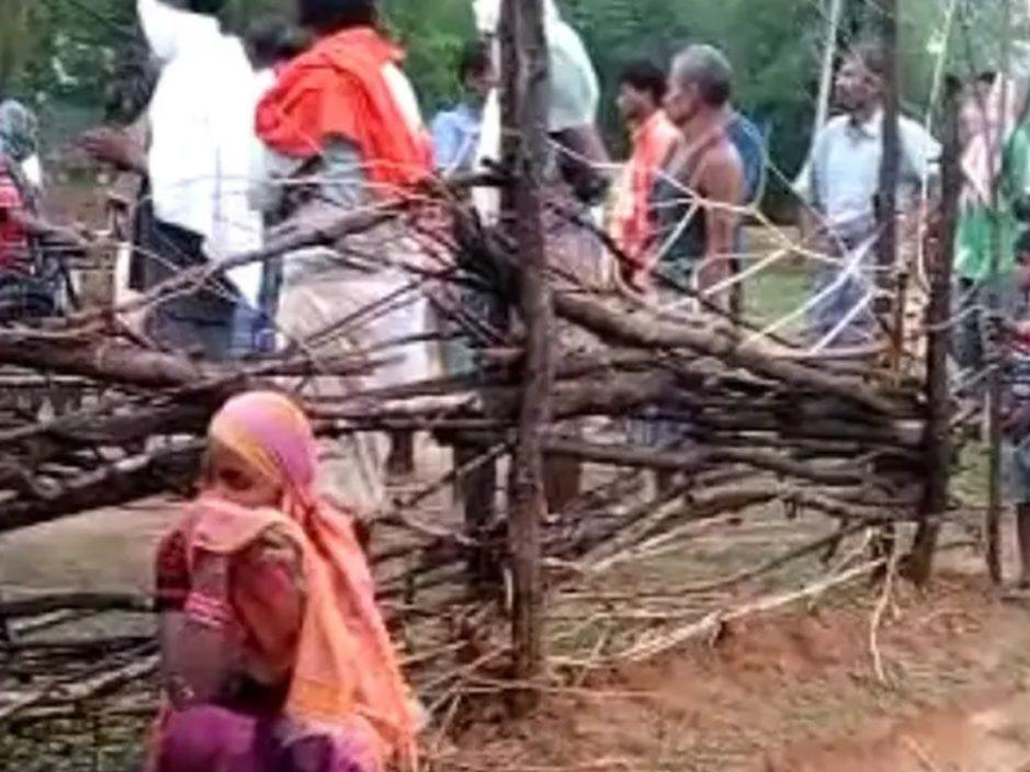 印度男被雷劈中失呼吸心跳 家人误信埋入牛粪可复活