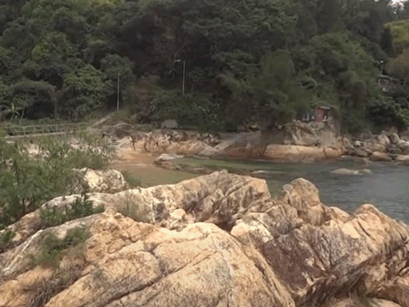 长洲南氹湾沙滩发现男尸