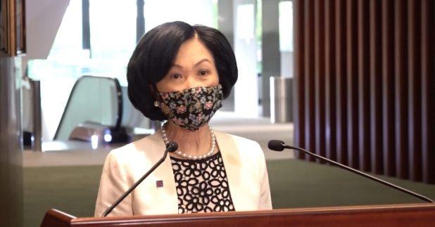 葉劉淑儀說,相信有關部門會依法調查,如需要檢控會交給法庭,如定罪,政府亦有一套紀律處分安排。(何珮瑚攝)