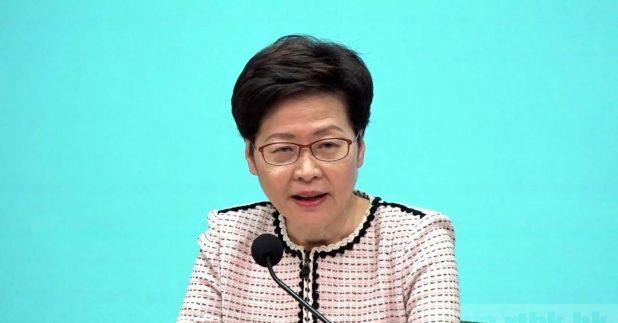 被问到有关支联会六四游行及集会被反对,林郑月娥说不评论,并尊重警务处决策。(梁奕豪摄)