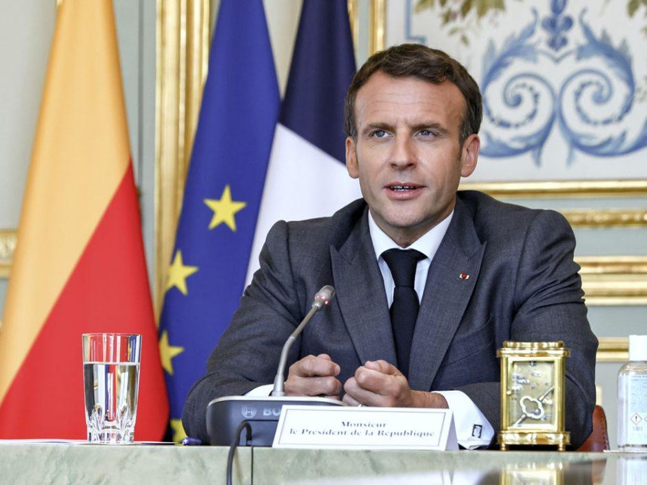 法国总统马克龙及妻子接种新冠疫苗