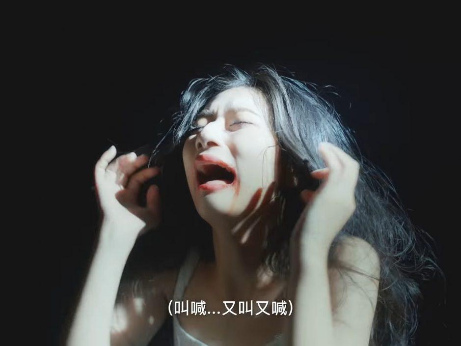 """扮""""福尔摩轩""""同吴肇轩拍广告    张敬轩苦练谭仔话恨做""""姐姐"""""""