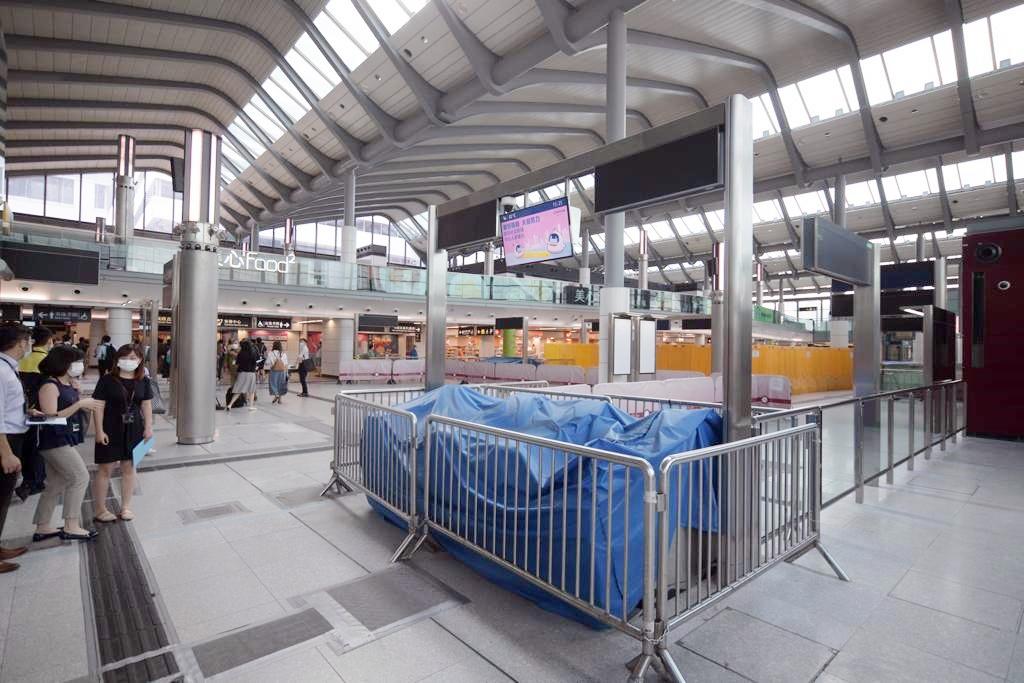 红磡站新月台本月20日启用 东铁线乘客要上落电梯转乘西铁线