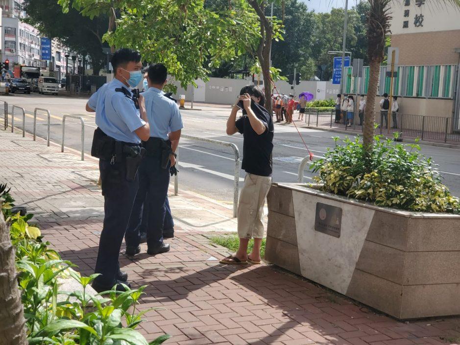 两南亚汉红磡街头持刀抢劫 男子失4000元