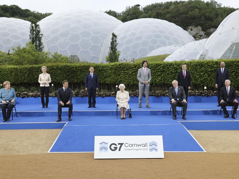"""【G7峰会】首日会议结束 七国领袖同意同意续""""开水喉""""振兴经济"""
