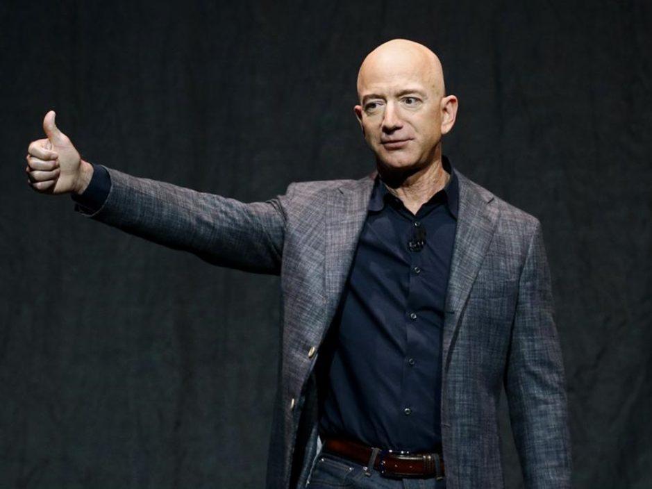 神秘人出价逾2.1亿 与亚马逊创办人贝索斯升空