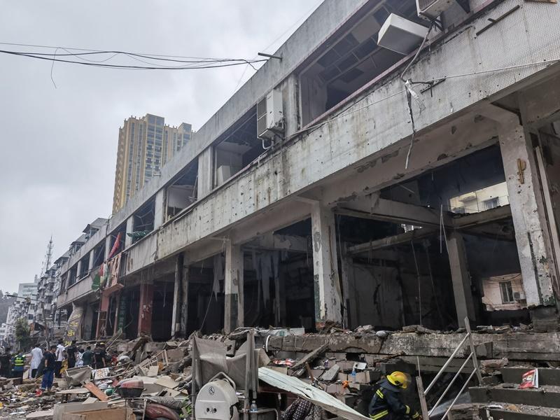 湖北十堰市天然气爆炸 增至12死37人重伤