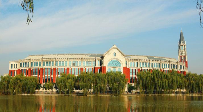 上海大学讲师提倡高校老师多配偶制 校方停职调查