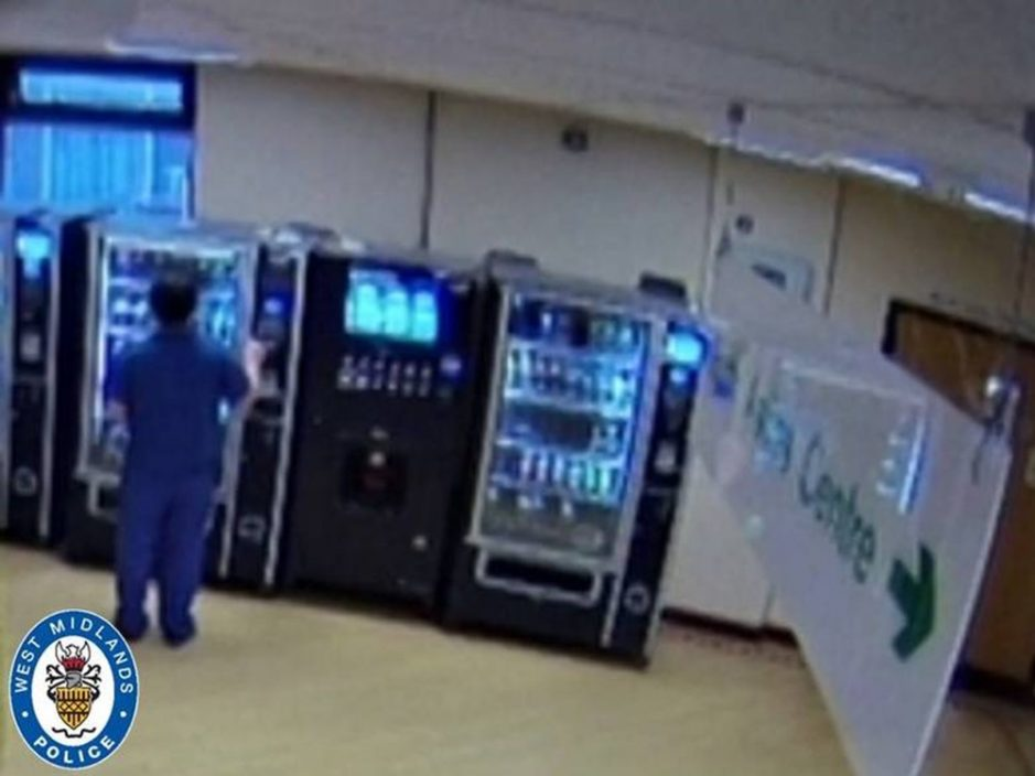 英染疫妇病逝 遭护理人员盗信用卡买零食