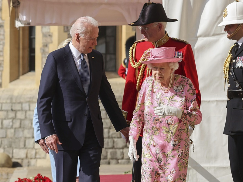 离英前访温莎堡 拜登:英女皇问及习近平和普京