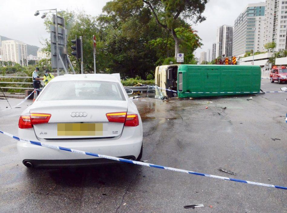 【沙田致命车祸】涉危驾女司机获准保释 消息指同涉冲灯另一司机自行到警署