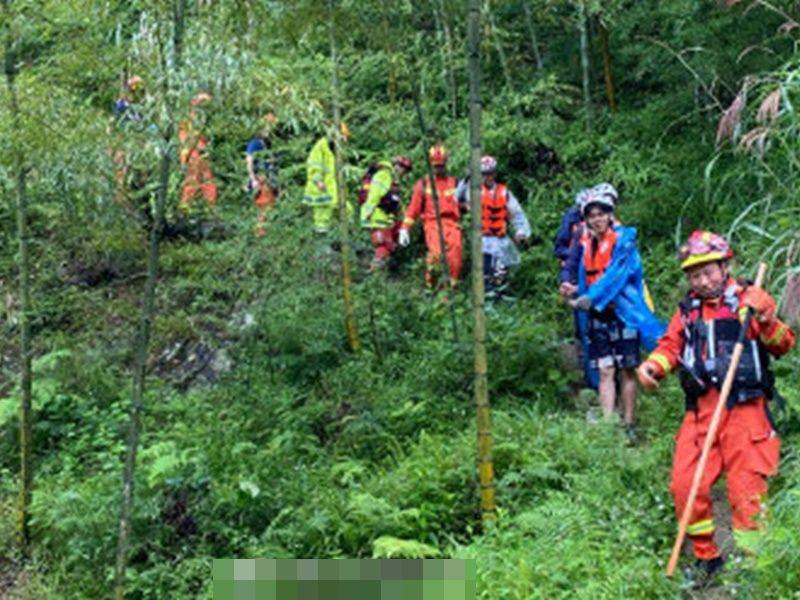 上海67游客因暴雨被困山区 安全获救