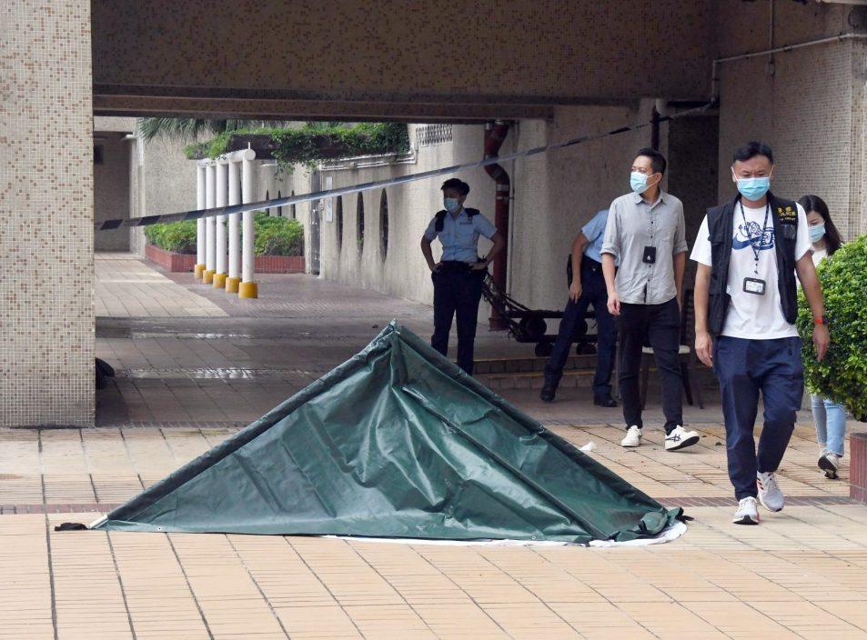 屯门市广场命案单位锁上铁链 邻居对事件感错愕