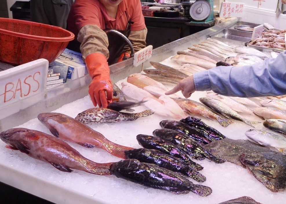 """元朗大桥街市买鱼食 2人疑中""""雪卡毒""""送院"""