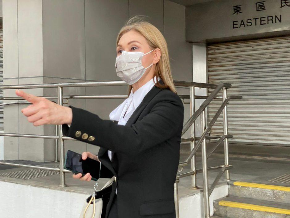 寇鸿萍否认意图逃税 两证人指被虚报受雇报税