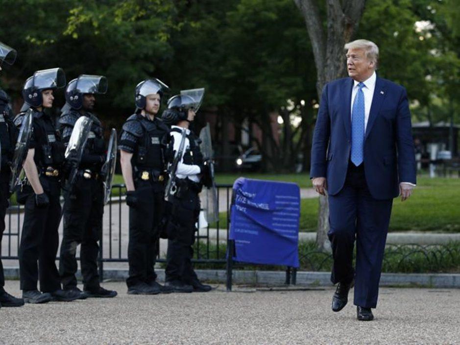 特朗普将视察美墨边界 批拜登引发偷渡危机
