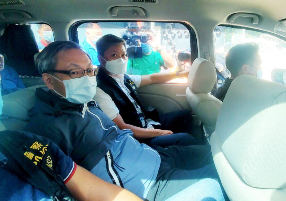壹传媒CEO等5高层涉违国安法被捕 遭扣手铐押返苹果大楼