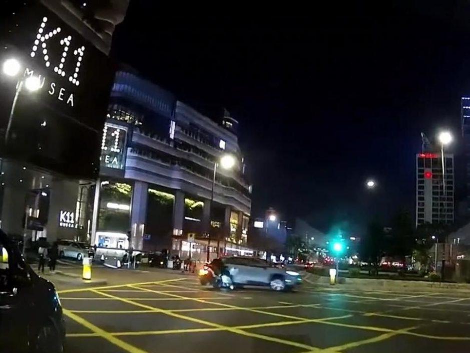 认危驾停牌半年 柳俊江被判160小时社会服务令