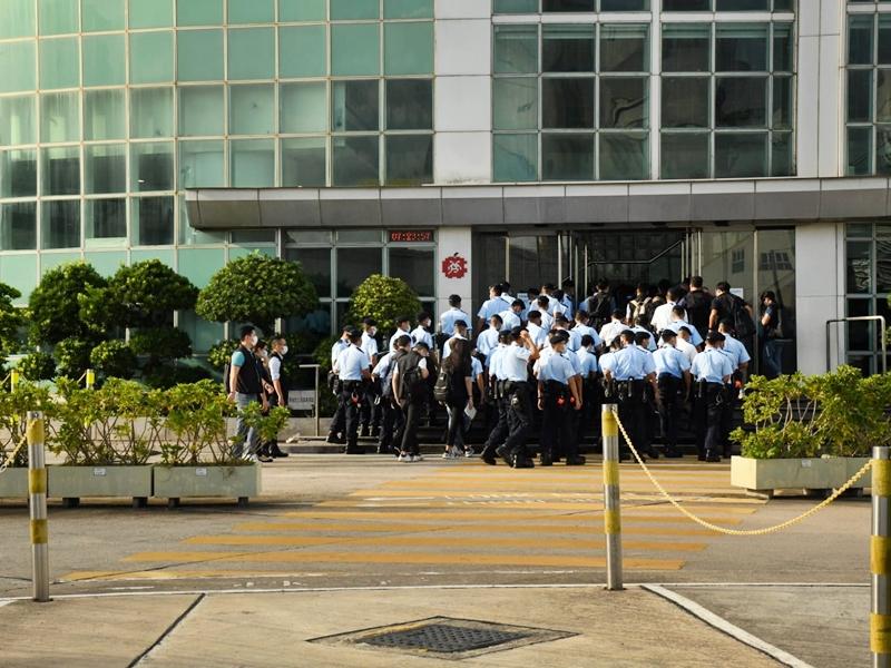 【壹传媒案】壹传媒工会谴责警侵犯新闻自由 将尽力维持报纸如常出版