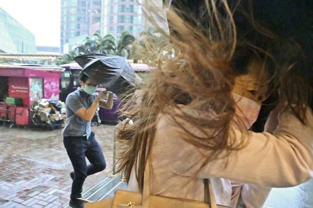 周五六续酷热 下周二转雷骤雨周三雨势颇大