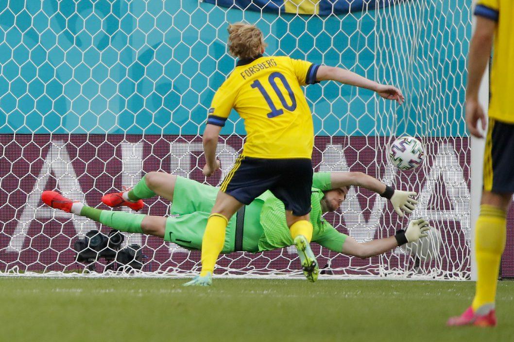 【欧国杯】龟缩变主攻 瑞典小胜晋级在望