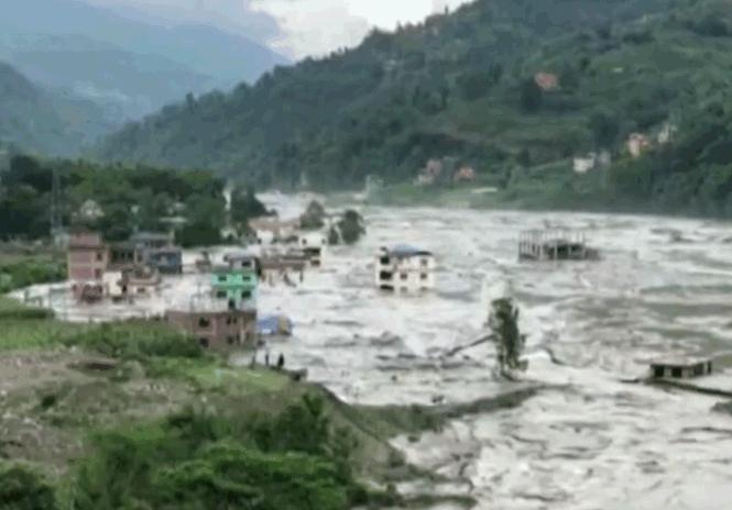尼泊尔暴雨成灾4死12伤 包括2中国工人遇难