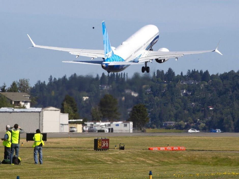 波音737 MAX 10客机完成首次试飞 料2023年投入市场