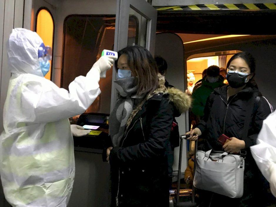 韩国31名旅客入境中国隔离检疫 护照被当垃圾销毁