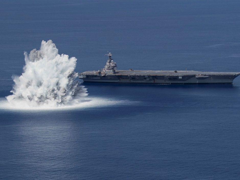 """美航母""""福特号""""旁引爆4万磅炸药测试 威力相等于3.9级地震"""