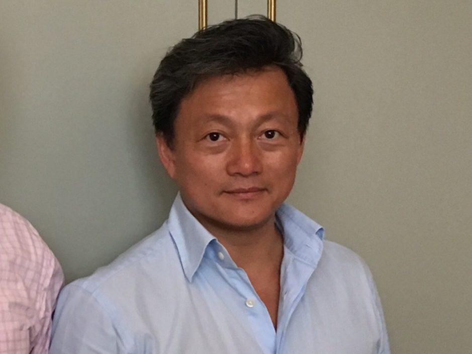 黄秋智辞任紫荆党总裁 党主席李山兼任