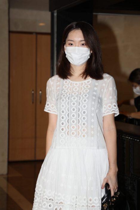 【港姐大改造】 邵初Tube-top上阵骚纤腰  余晓蕙低胸晒事业线抢Fo