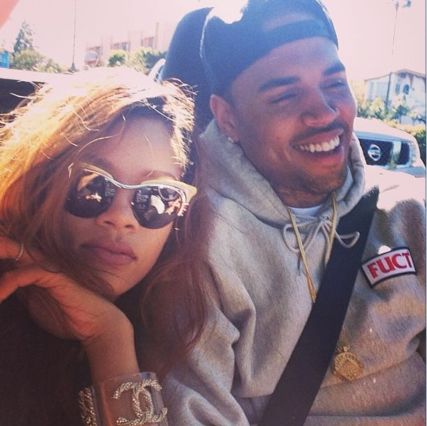 Chris Brown向女子施袭后逃走  被警方立案列嫌疑犯