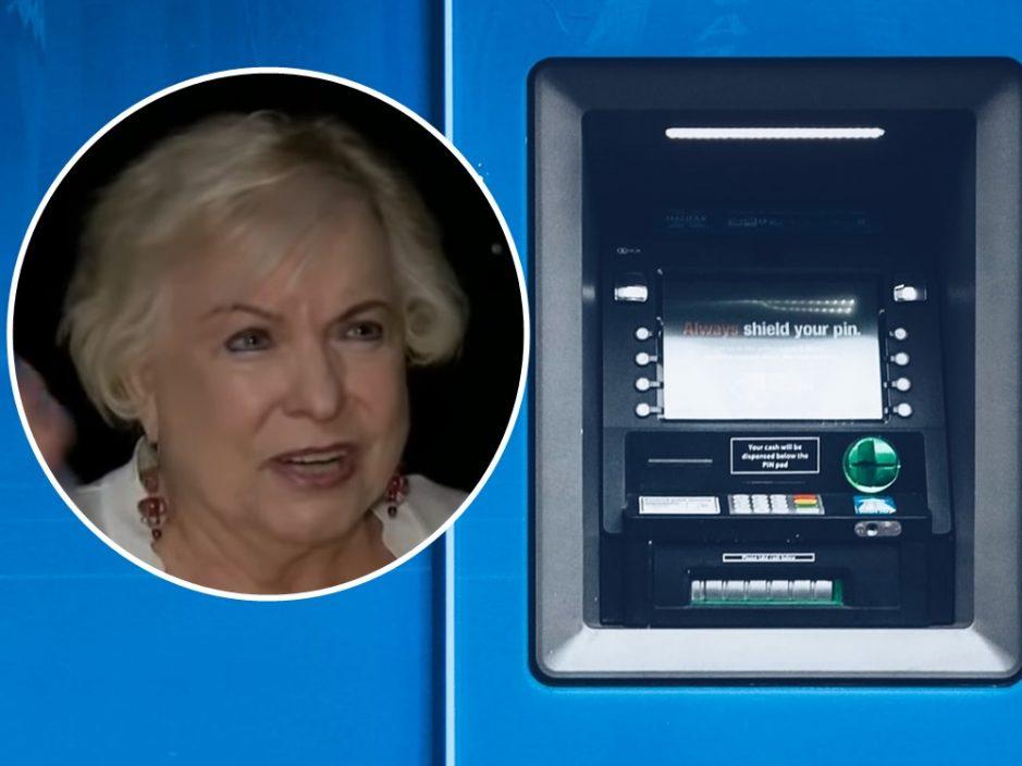 美妇柜员机惊见近10亿美元余额 被语音电话难倒感困扰