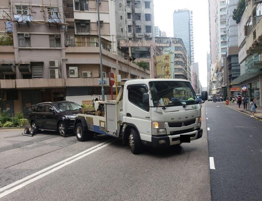 西九龙警利用流动摄录配合交通执法 发出4201张告票
