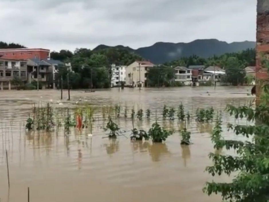 内地暴雨27省受灾 武夷山景区关闭