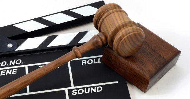政府因應《香港國安法》實施,修訂《電影檢查條例》的檢查員指引。(shutterstock)
