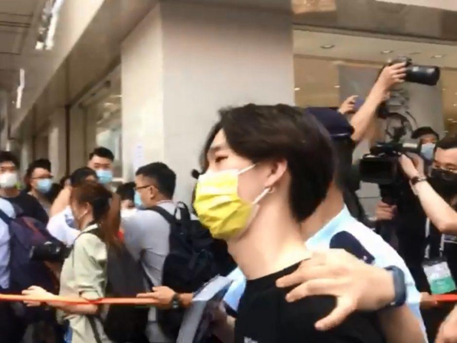 贤学思政旺角摆街站 王逸战及两名成员被捕