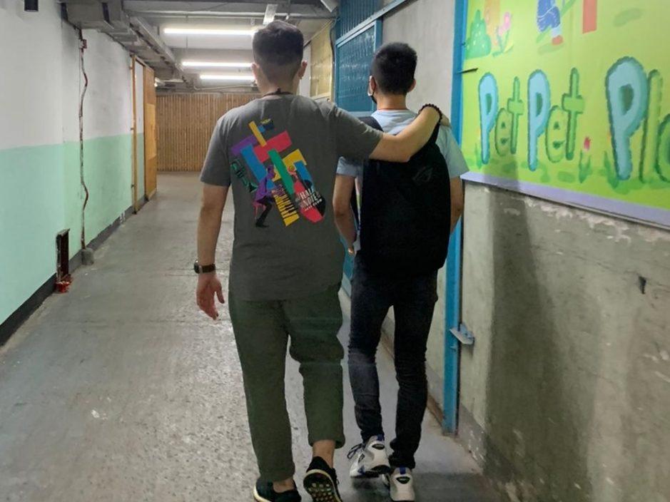 警观塘捣派对房间违规营业 拘23岁男负责人票控15客