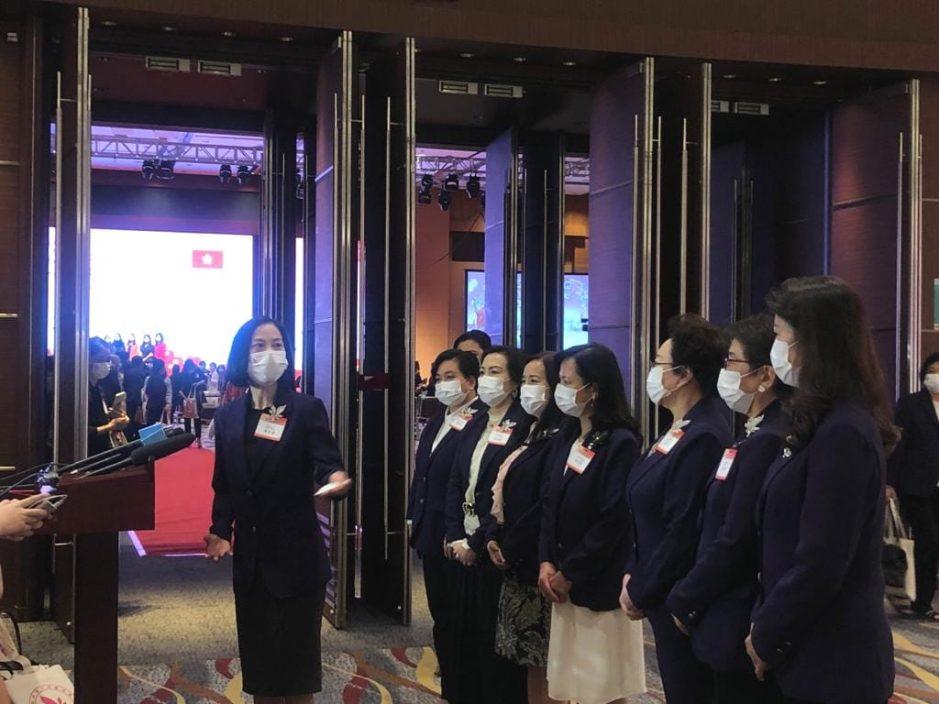 建制派促打击假新闻 妇联谴责袭警严重罪行