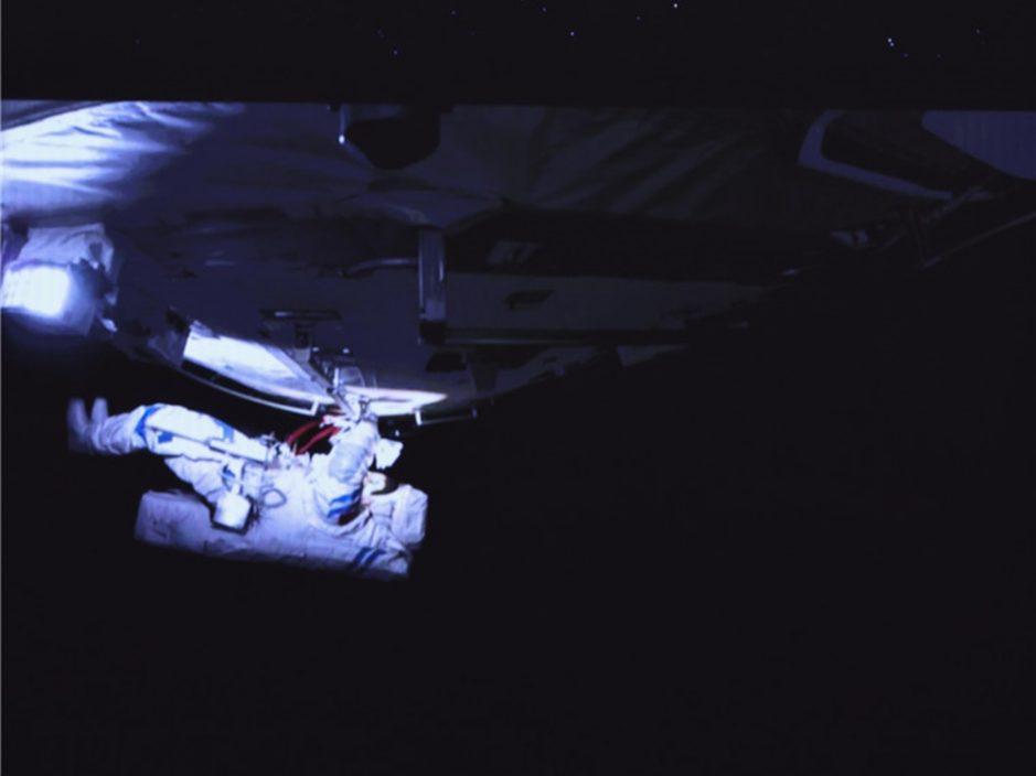 2名太空人完成首次出舱 安全返回天和核心舱