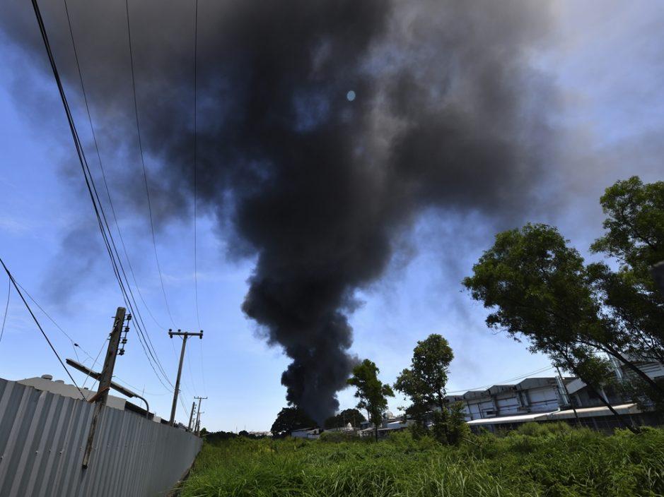 曼谷工厂爆炸 至少11人受伤居民撤离