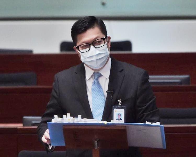 被问来届是否不参选特首 邓炳强:审议他人资格者不会被审议