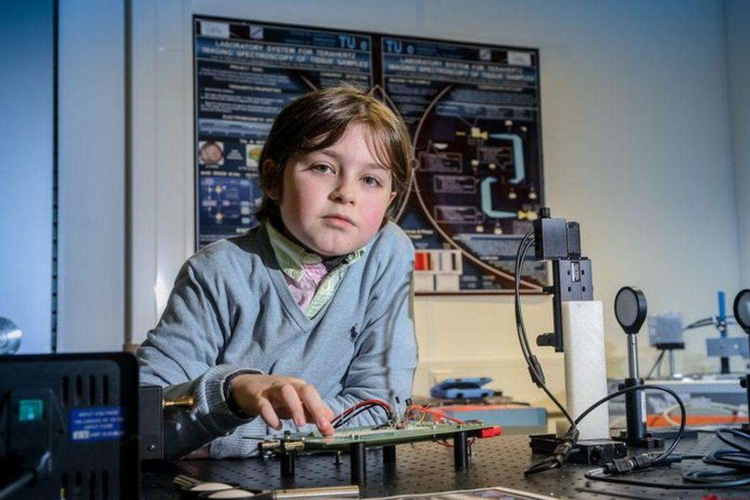 比利时神童11岁大学毕业 立志研发人工器官实现人类永生