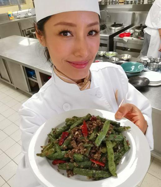 【头条独家】主持《大匠之峰》跟名厨偷师 蒋怡怕冇晒煮食乐趣拒开餐厅